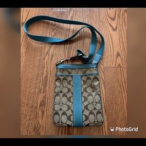 Coach classic logo crossbody bag in blue colour